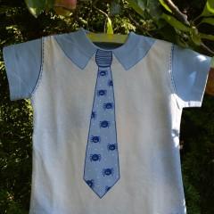 Tričko s kravatou
